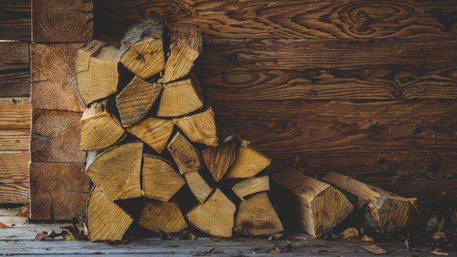 薪ストーブデメリットと後悔の元!!タダは良いけど大変?薪の調達方法と無料で薪を集めるには?